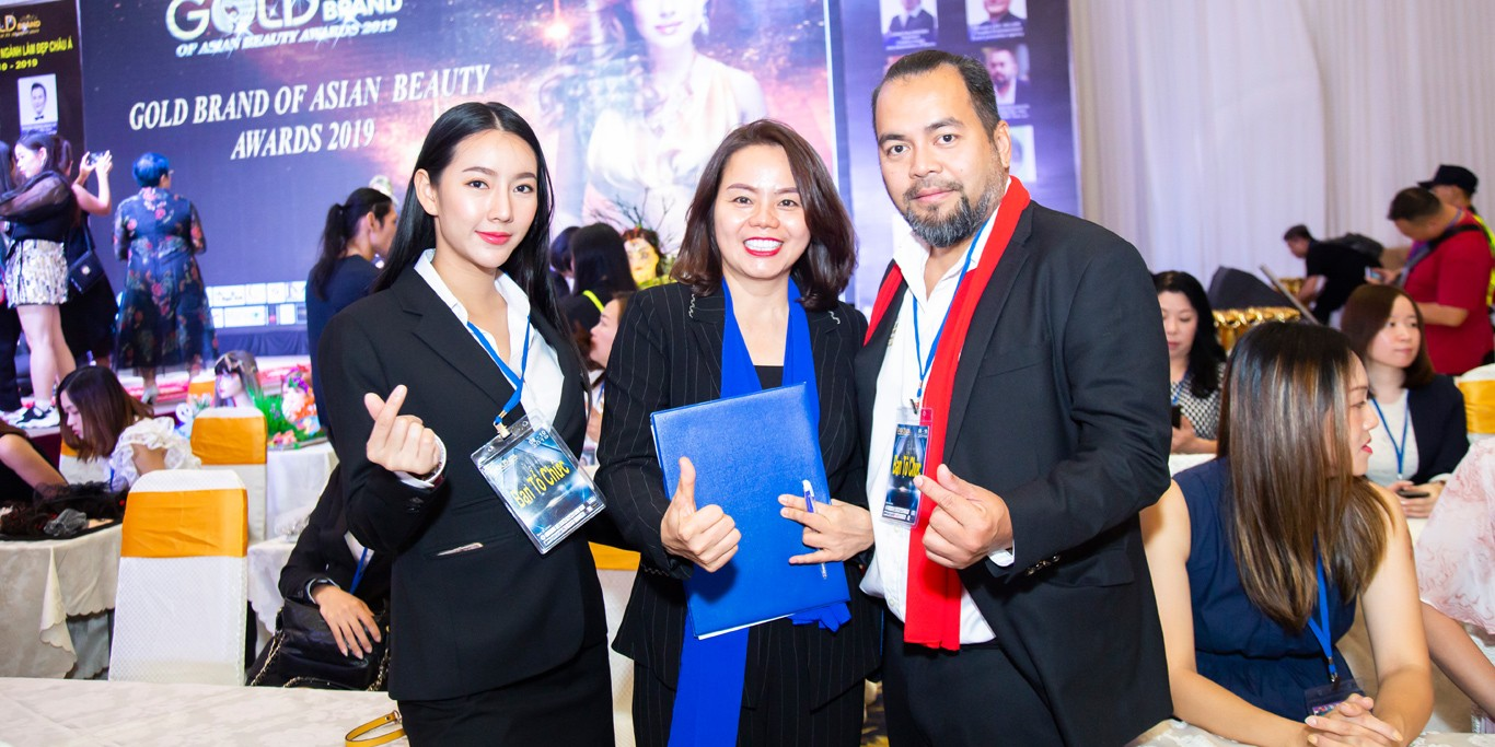 Cẩm Anh tham dự Gold Brand of Asian Beauty Awards 2019